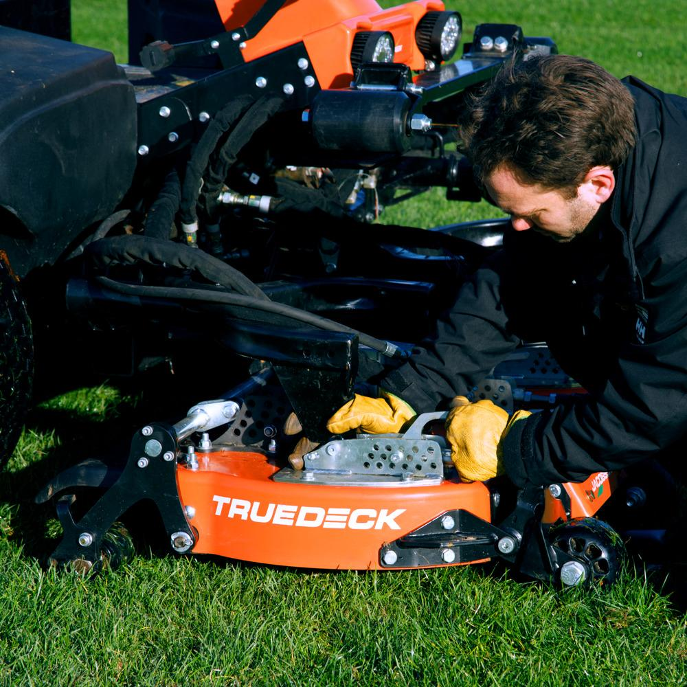 AR530 Jacobsen mower with quick and easy deck adjustment