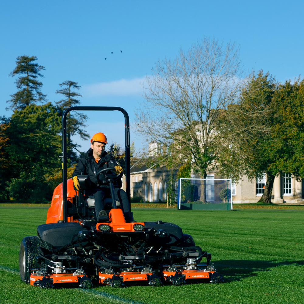 Jacobsen AR530 T4I TRUEDECK™ Heavy-Duty Contouring Cutting Units