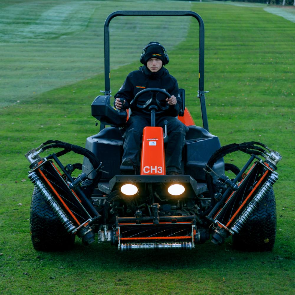 LF570 Ride-on Reel Mower with fast transport speed