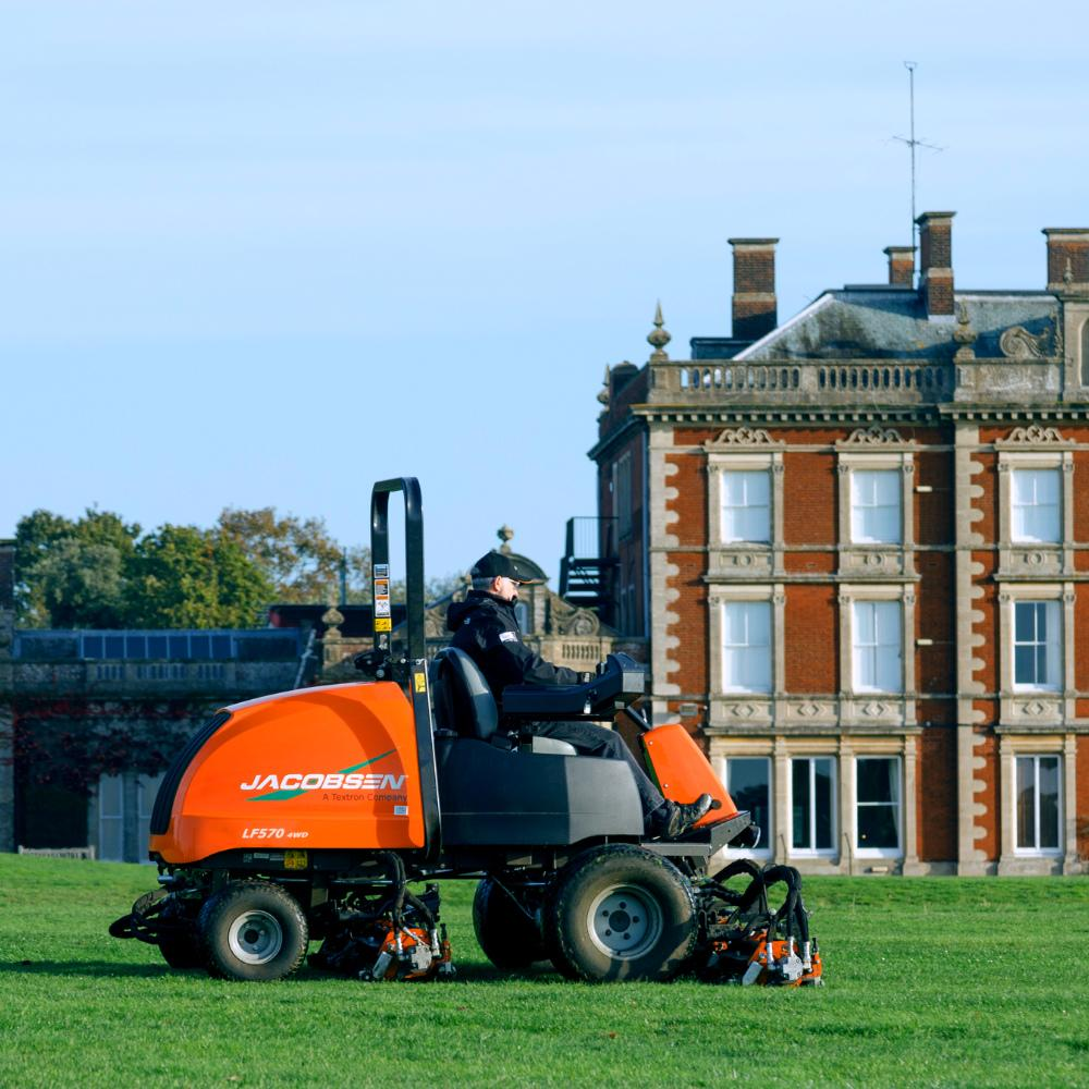 Jacobsen LF570 T4I with a Trustworthy Kubota® Engine